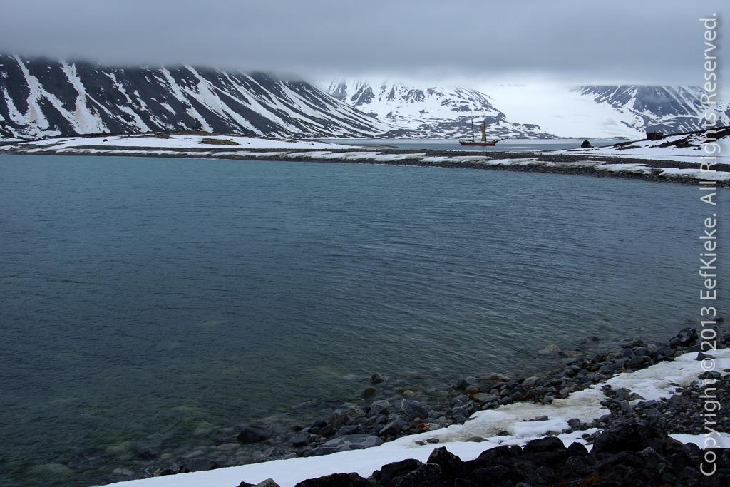 16 Magdalenafjord met laag hangende wolken