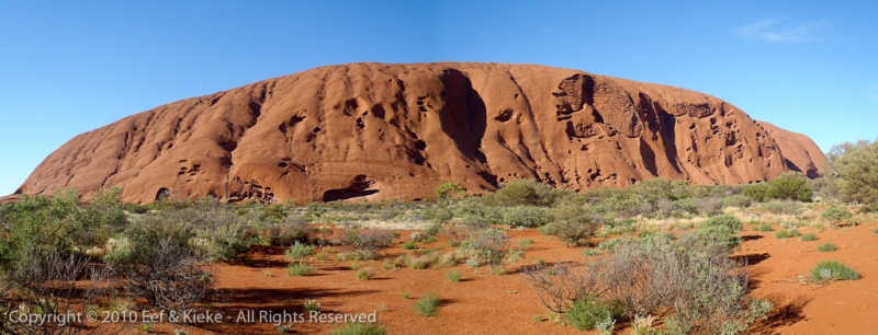 Achterkant-van-Uluru