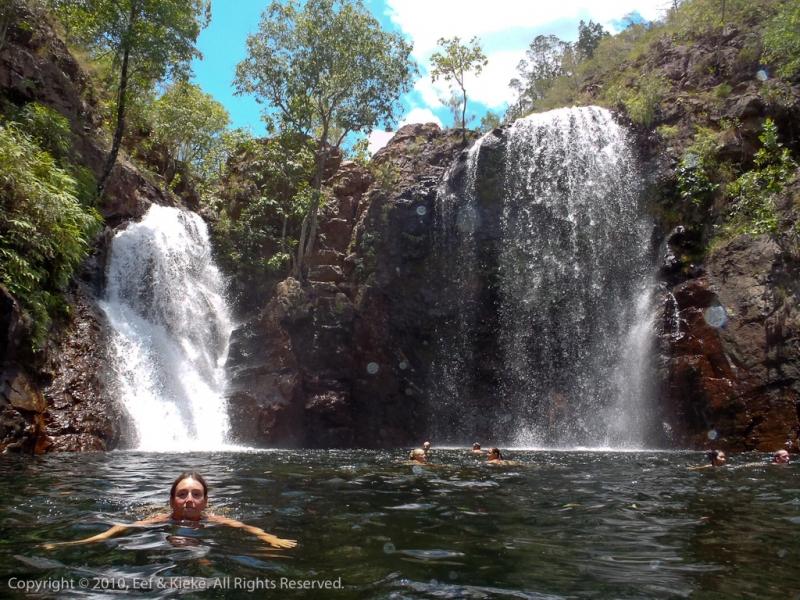 Eef-zwemt-bij-Florence-Falls