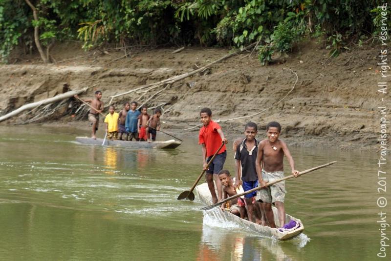 travel-soap-papoea-nieuw-guinea-karawari-dag-2-14-1